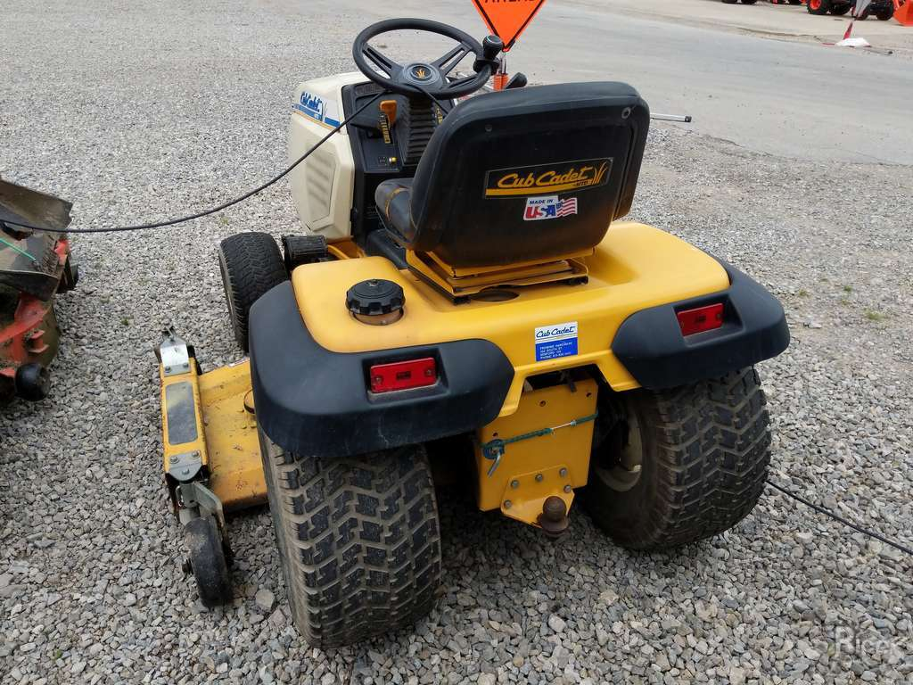 1990 CUB CADET 2284 RIDING MOWER #8580